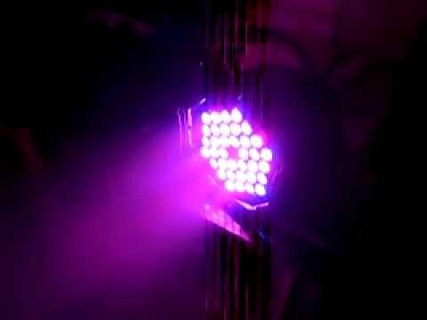 Đèn pha led chiếu màu RGBW 54x3w cho sân khấu chuyên nghiệp