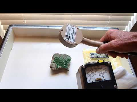 Testing radioactive Torbernite/Kasolite with Ludlum Model 3