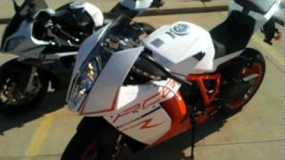5. BMW S1000RR and KTM RC8 walkaround