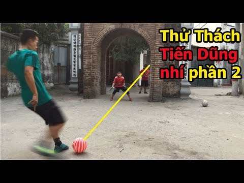 Thử Thách Bóng Đá sút Penalty bóng nhựa với Bùi Tiến Dũng nhí U23 Việt Nam Tương Lai ? - Thời lượng: 4:53.