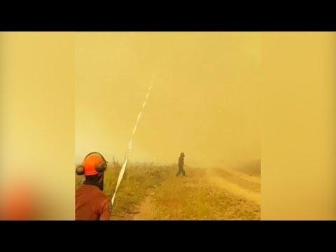 Kanada: Feuertornado saugt Feuerwehrschlauch an
