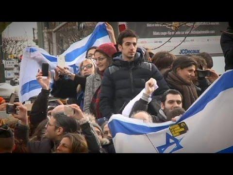 Rester ou émigrer : le dilemme des Juifs de France après les attentats