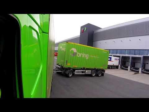 Volvo FH - truck and trailer reversing - loading dock