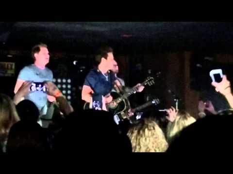Parmalee Play Through Power Outage in Ohio