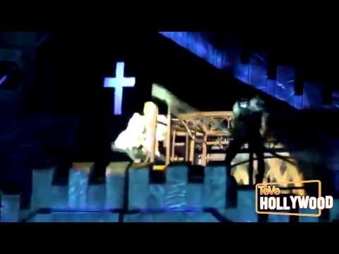 VIDEO: Lady Gaga Golpeada En Cabeza en Concierto