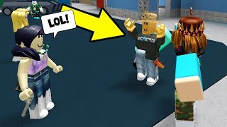 HOW TO TRICK INNOCENT! (Roblox Murder Mystery 2)