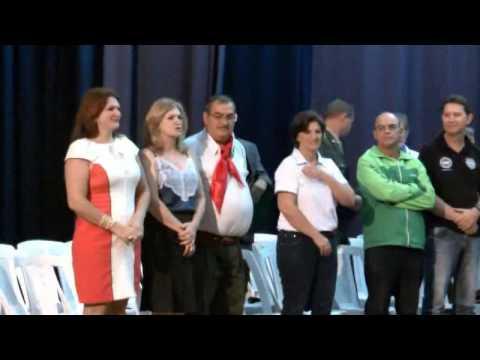 O anfiteatro do CPC Arandurá esteve lotado na noite desta segunda-feira (14) para receber as múltiplas personalidades homenageadas em Sessão Solene realizada pela Câmara Municipal