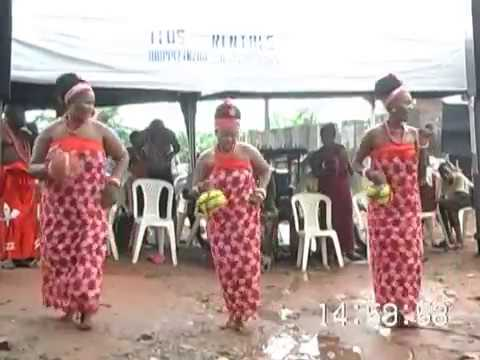 EDO CULTURAL DANCE LIVE AT LATE HON S.O.OYEGUE FUNERAL(9).