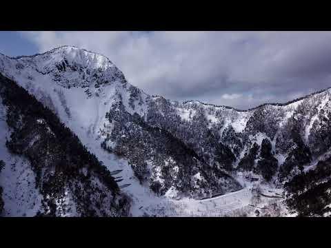 雪景色の金精峠