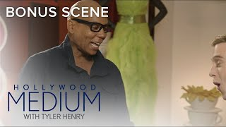 Video RuPaul Shows Off His Amazing Wardrobe to Tyler Henry | Hollywood Medium with Tyler Henry | E! MP3, 3GP, MP4, WEBM, AVI, FLV Juni 2018