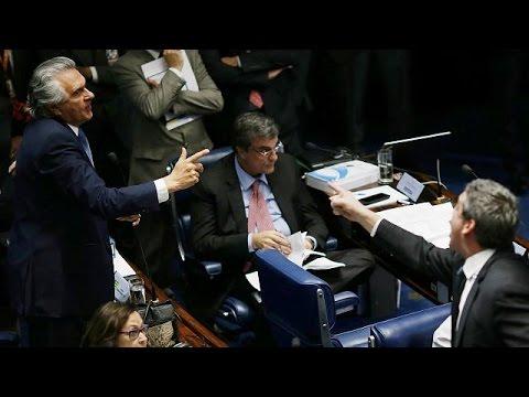 Βραζιλία: Οι δύσκολες ώρες της Ντίλμα Ρούσεφ