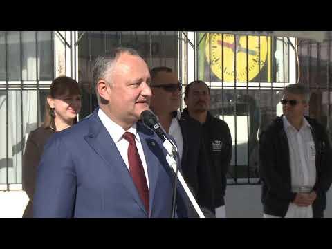 """Igor Dodon a participat la deschiderea celei de-a II-a ediții a Turneului internațional de polo pe apă """"Cupa Președintelui"""""""