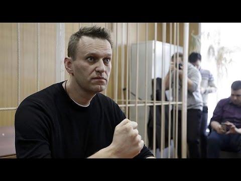 15 ημέρες φυλακή και χρηματικό πρόστιμο η ποινή για τον Αλεξέι Ναβάλνι