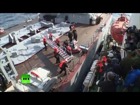 Осмотр ракетного крейсера «Москва» журналистами