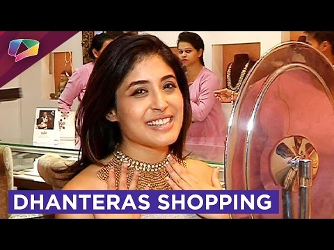Kritika Kamra does Dhanteras gold shopping