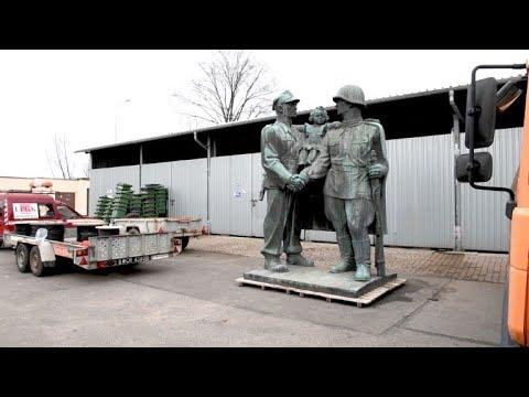 Aus sozialistischen Zeiten: Polen verbannt Denkmäle ...