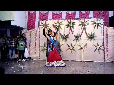 Video Best wedding couple dance performance on chaar kadam download in MP3, 3GP, MP4, WEBM, AVI, FLV January 2017