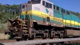 Video Trem de ferro carregado de minério arrancando partindo para Vitória ES. Acabando sobe outro. MP3, 3GP, MP4, WEBM, AVI, FLV Februari 2019