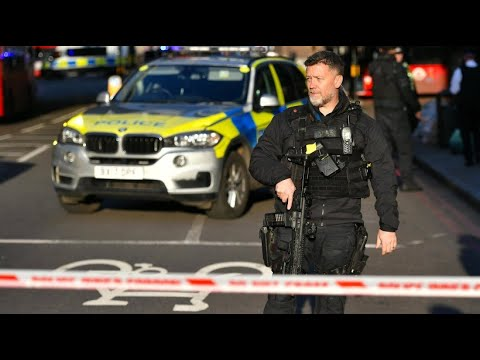 Großbritannien: Polizei erschießt nach Messerstechere ...