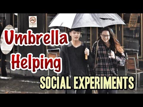 Umbrella Helping | Social Experiments