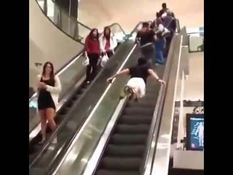 Superman na eskalátorech