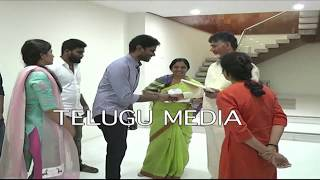 Video Paritala Sunitha family meets Chandra Babu to invite marriage MP3, 3GP, MP4, WEBM, AVI, FLV Juli 2018