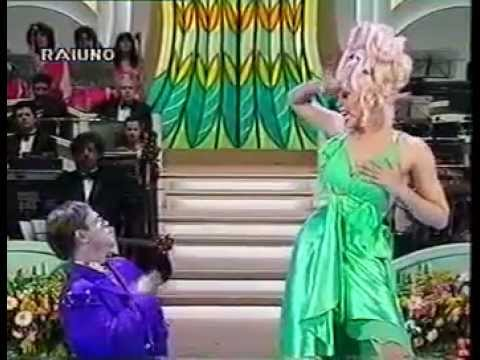 Elton John   Ru Paul - Don't go breaking my heart (Sanremo '94) YouTube.flv