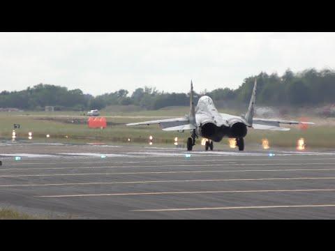 這1分鐘視頻將令你知道戰鬥機有多強大,記住先扶好你的下巴。