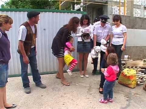 Молодая Гвардия поздравляет детей с Пасхой