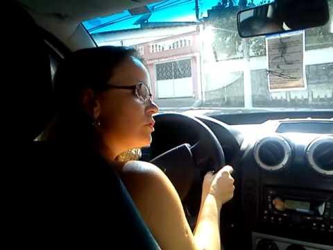 Déia aprendendo a dirigir em São Pedro da aldeia com meu Pai 2012