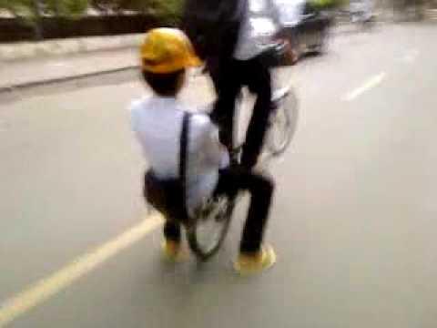 Xboy - X-boy video Fly bike ជាក្រុមបង្ហោះកង់ពិសេសនៅរាជធានីភ្នំពេញ ជាល្បែងកំសាន្ត...