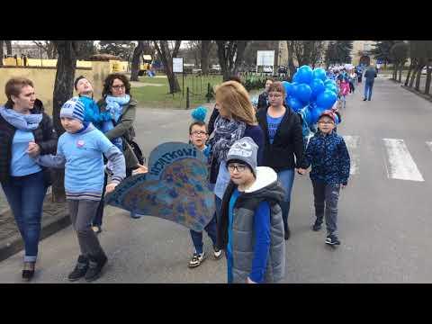 Wideo1: Niebieski marsz dla autyzmu w Rydzynie