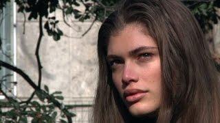 """Le mannequin Valentina Sampaio, fière"""" d'être l'emblème des LGBT"""