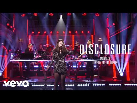 Disclosure feat. Lorde – Magnets (Live on SNL)
