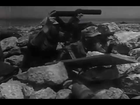 Italian troops in action in North Africa under the supervision of Rommel