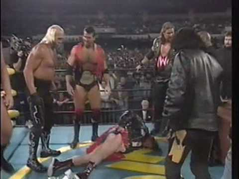 Hogan/Piper Contract Signing For Starrcade '96 2/2