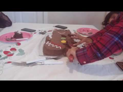 Epic birthday party (with a gingerbread man cake)