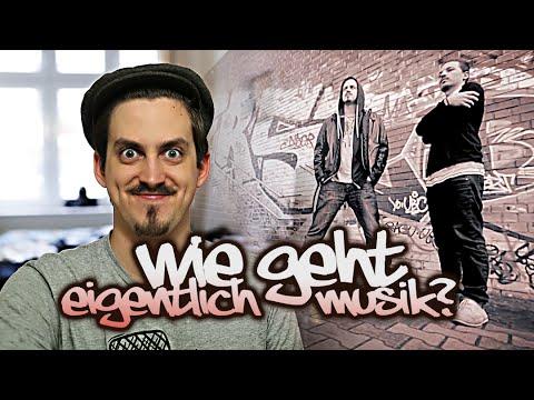 Hop - I say the hip hop, the hippie, the hippie to the hip hip hop a you don't ... bla bla und so weiter. :D Kanal abonnieren: http://bit.ly/1dzlmHK Zur Ticketverlosung: http://bit.ly/DUMM_SocialMovieNi...