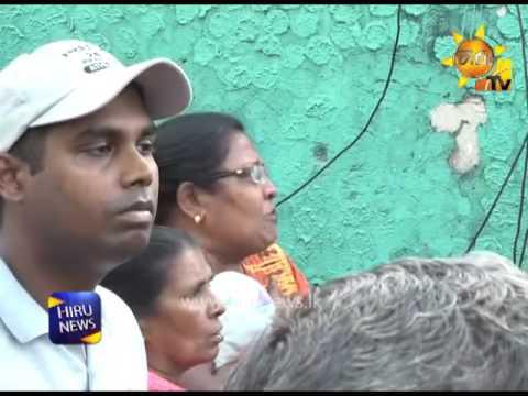 Hiru correspondent interrupted while reporting Meethotamulla garbae dump incident