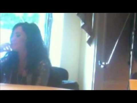 Demi Lovato y ahora su BFF Miley Cyrus