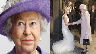 Video After A Couple Invited The Queen To Their Wedding, They Were Blown Away By Her Majesty's Response MP3, 3GP, MP4, WEBM, AVI, FLV Januari 2019