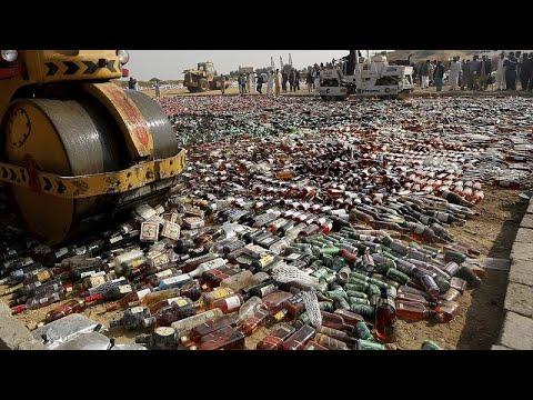 Λαθρεμπόριο: Το Πακιστάν καταστρέφει προϊόντα αξίας 250 εκατομμυρίων δολαρίων!…