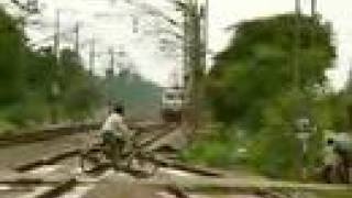 Nonton Bhopal Shatabdi at 150 km/h Film Subtitle Indonesia Streaming Movie Download