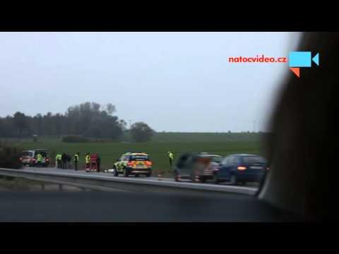 Mrtvé tělo na Liberecku, řidič ujel.