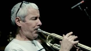 Enregistré en condition live à l'ARTDAM (son : Yannick Hervé) Composition et arrangements : Fidel Fourneyron Ze Tribu Brass Band, accompagné par Maciek Lasse...