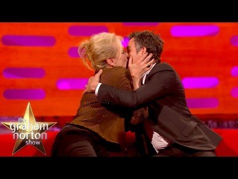 Meryl Streep Kisses Super Smooth Mark Ruffalo - The Graham Norton Show