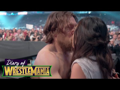 Video Brie and Nikki's ELECTRIC ringside REACTION during Daniel Bryan's match! - Diary of WrestleMania download in MP3, 3GP, MP4, WEBM, AVI, FLV January 2017