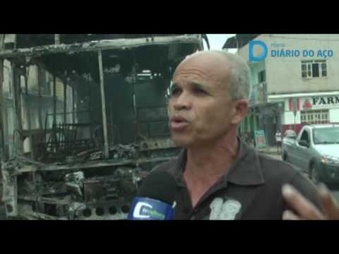 Ônibus é incendiado em Ipaba