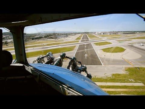 Ford Tri-Motor Cockpit Video – Takeoff/Landing At KLGB