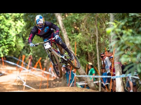 Charging the Downhill MTB Track in Cairns: Finals Highlights (видео)